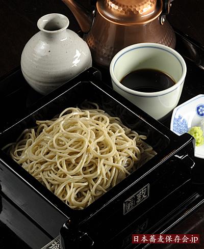 「上野藪蕎麦」の伝統の二八そば